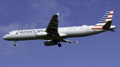 N923US - Airbus A321-231 - American Airlines
