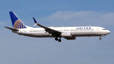N73406 - Boeing 737-924 - United Airlines