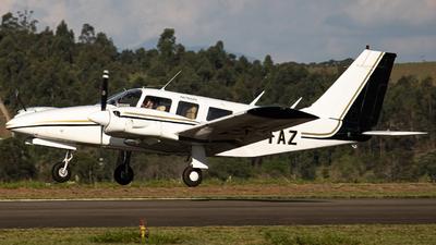 PT-TAZ - Piper PA-34-200 Seneca - Classic Escola de Aviação