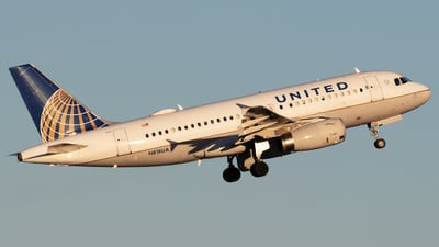 A picture of N818UA - Airbus A319131 - United Airlines - © Shattuck Bell
