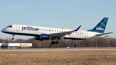 A picture of N193JB - Embraer E190AR - JetBlue Airways - © Davin Amy