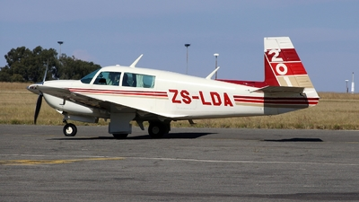 ZS-LDA - Mooney M20J - Private