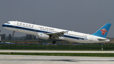 A picture of B2284 - Airbus A321231 - China Southern Airlines - © M.T