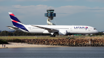A picture of CCBGO - Boeing 7879 Dreamliner - LATAM Airlines - © Morris Biondi