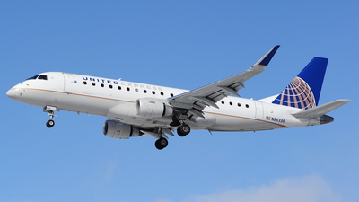A picture of N86336 - Embraer E175LR - United Airlines - © Yari Strban