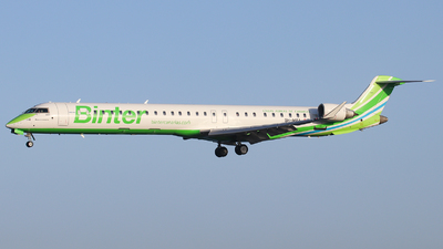 9H-MPA - Bombardier CRJ-1000 - Binter Canarias (MedAvia)
