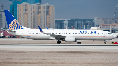 N38446 - Boeing 737-924ER - United Airlines