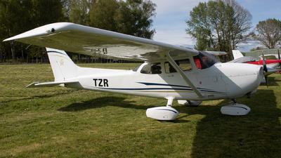 ZK-TZR - Cessna 172S Skyhawk - Private