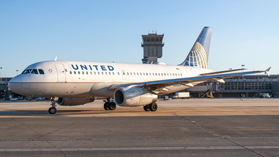 A picture of N845UA - Airbus A319131 - United Airlines - © Daniel Mena