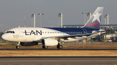 CC-BCC - Airbus A319-132 - LAN Airlines
