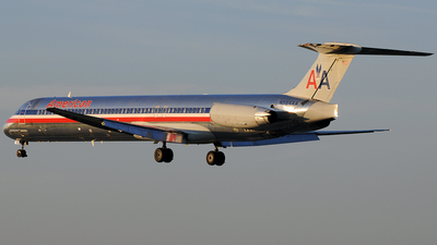 N584AA - McDonnell Douglas MD-82 - American Airlines