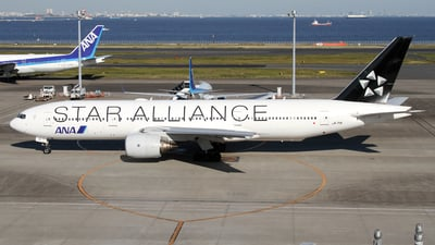 JA711A - Boeing 777-281 - All Nippon Airways (ANA)