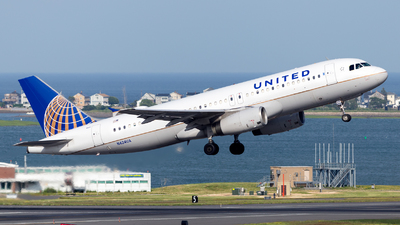 A picture of N424UA - Airbus A320232 - United Airlines - © HA-KLS