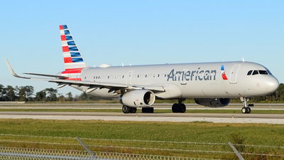 A picture of N139AN - Airbus A321231 - American Airlines - © Doug Marsh
