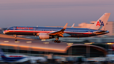 A picture of N665AA - Boeing 757223 - [25299] - © James Rowson