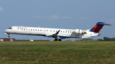 A picture of N337PQ - Mitsubishi CRJ900LR - Delta Air Lines - © DJ Reed - OPShots Photo Team
