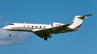 A picture of N440QS - Gulfstream G450 - NetJets - © Yan777