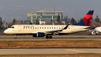 A picture of N250SY - Embraer E175LR - Delta Air Lines - © Rocky Wang