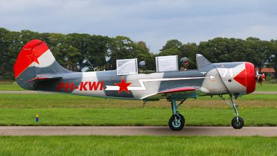 PH-KWI - Yakovlev Yak-52 - Private