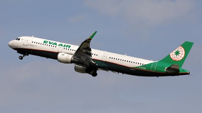 A picture of B16226 - Airbus A321211 - EVA Air - © photogiap
