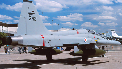 242 - Northrop F-5B Freedom Fighter - Norway - Air Force