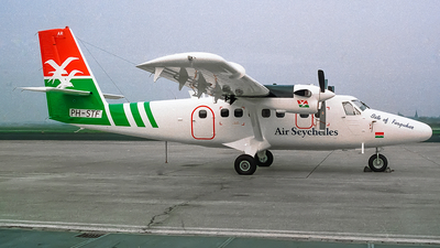 PH-STF - De Havilland Canada DHC-6-300 Twin Otter - Air Seychelles