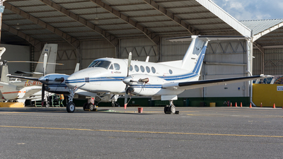 N312DE - Beechcraft 300LW Super King Air - Private