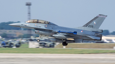 J-209 - General Dynamics F-16B Fighting Falcon - Netherlands - Royal Air Force