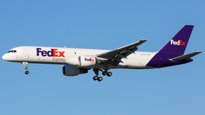 A picture of N796FD - Boeing 757222(SF) - FedEx - © Martin Pinnau