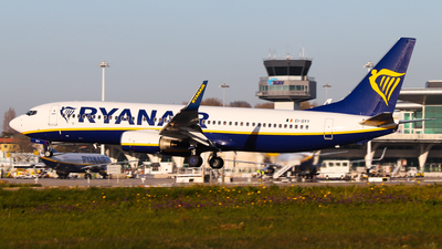 A picture of EIDYY - Boeing 7378AS - Ryanair - © Luciano Silva