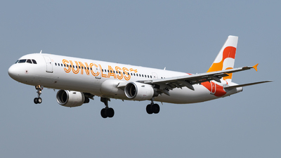 A picture of OYVKD - Airbus A321211 - Sunclass Airlines - © Marcello Montagna spotter_napoli