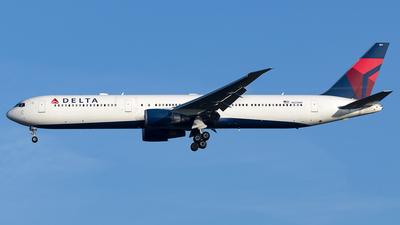 N825MH - Boeing 767-432(ER) - Delta Air Lines
