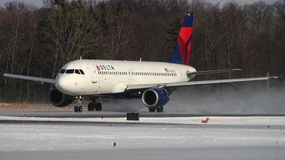 N323US - Airbus A320-211 - Delta Air Lines