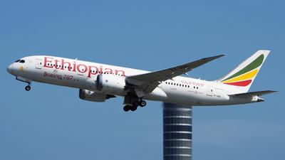 A picture of ETAOS - Boeing 7878 Dreamliner - Ethiopian Airlines - © toeychincha