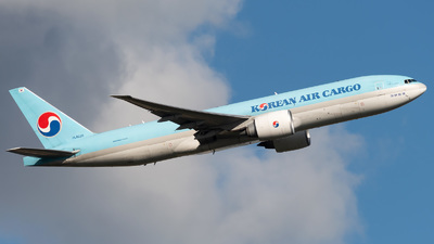 HL8226 - Boeing 777-FB5 - Korean Air Cargo