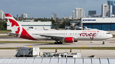 C-GSCA - Boeing 767-375(ER) - Air Canada Rouge