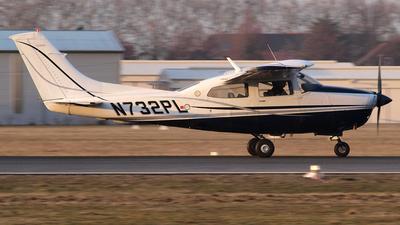 A picture of N732PL - Cessna T210M Turbo Centurion - [21061665] - © Bertram Maron