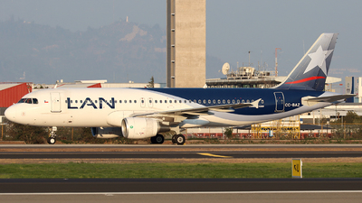 CC-BAZ - Airbus A320-214 - LAN Airlines