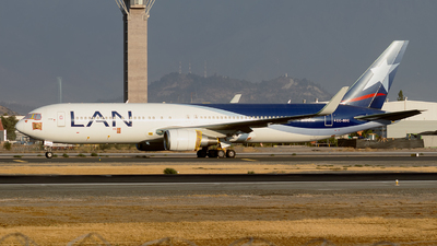 A picture of CCBDC - Boeing 767316(ER) - LATAM Airlines - © MartinezRoe7