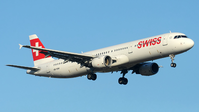A picture of HBIOM - Airbus A321212 - Swiss - © Alexander Portas