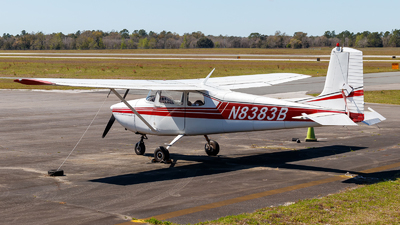 A picture of N8383B - Cessna 172 Skyhawk - [36183] - © Oliver Richter