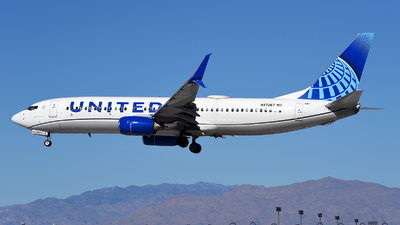 A picture of N37267 - Boeing 737824 - United Airlines - © Rocky Wang
