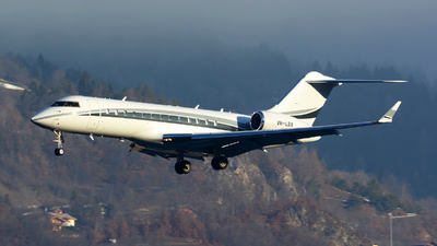 VH-LBU - Bombardier BD-700-1A10 Global Express - Private