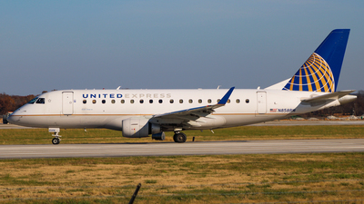 A picture of N858RW - Embraer E170SE - United Airlines - © Daniel Quezada