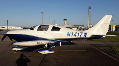 N1417W - Columbia 350 - Private