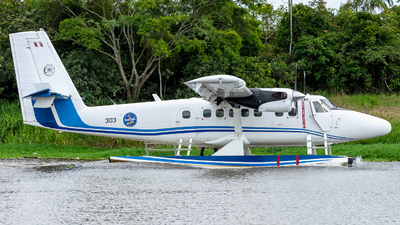 303 - Viking DHC-6-400 Twin Otter - Perú - Air Force