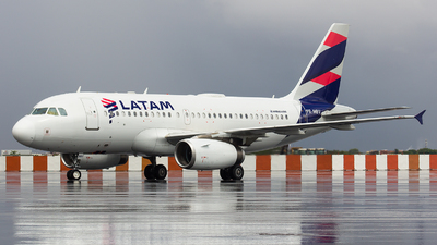 A picture of PRMBV - Airbus A319132 - LATAM Airlines - © Rafael Costa / PSW Aviation