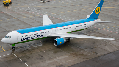 UK-67008 - Boeing 767-33P(ER) - Uzbekistan Airways