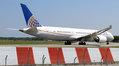 A picture of N26952 - Boeing 7879 Dreamliner - United Airlines - © Suami Gambicorti