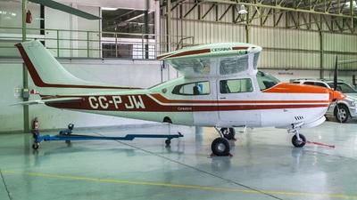 CC-PJW - Cessna 210L Centurion II - Private